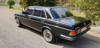 1979 Mercedes Benz W123 main image
